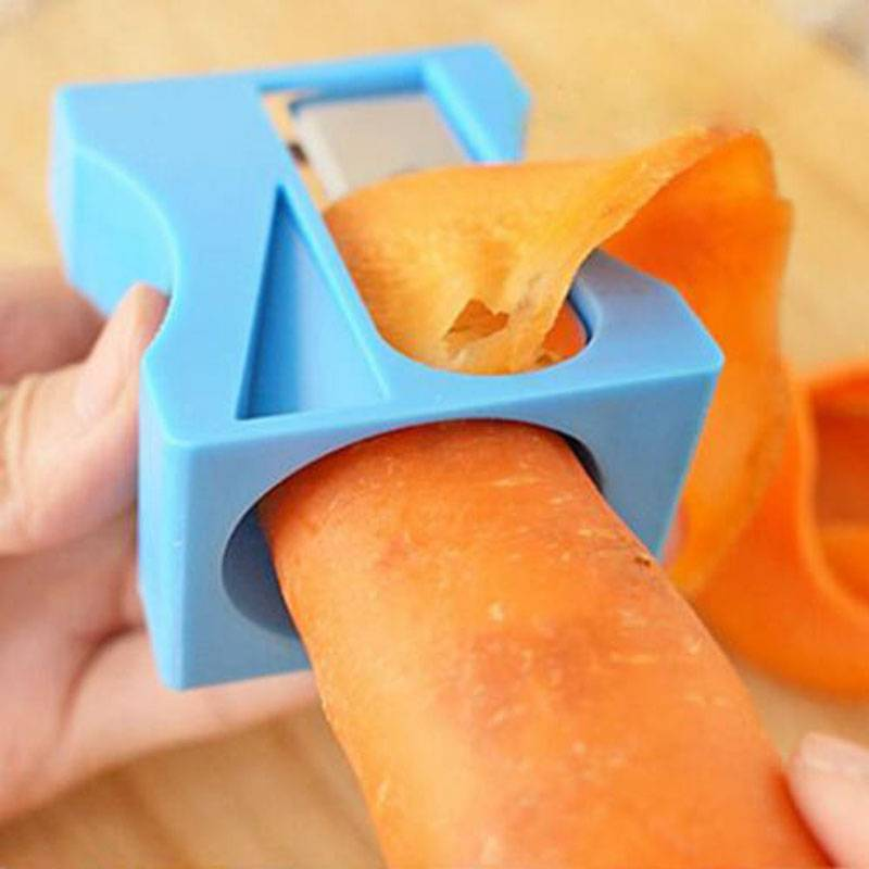 Škrabka / kráječ na zeleninu modrá ořezávátko - ILA